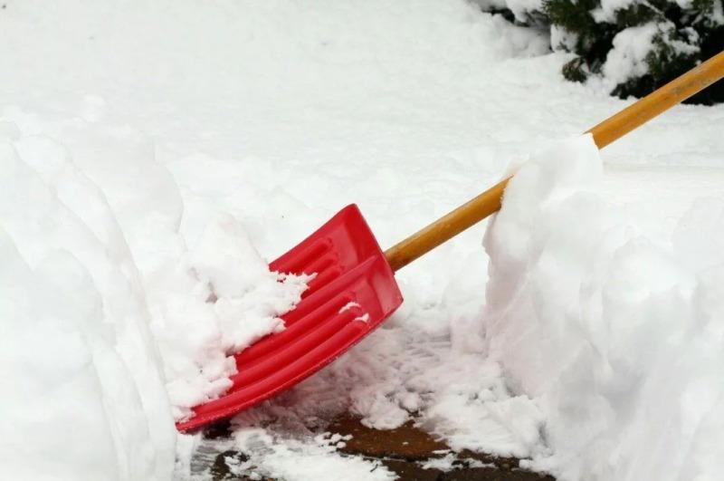 Уборка снега с тамбовских кладбищ обойдётся городу почти в 2 миллиона рублей
