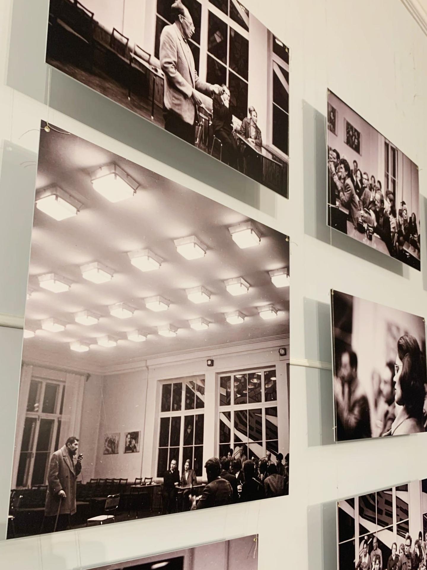 В Молодёжном театре открылась фотовыставка братьев Ладыгиных