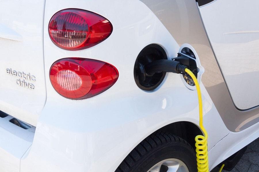 В России предложили отменить транспортный налог на экологичные автомобили