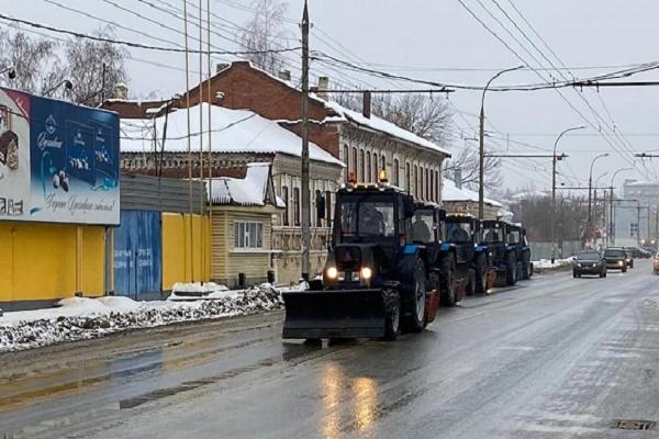В Тамбове к работам по уборке снега привлечено 55 единиц спецтехники