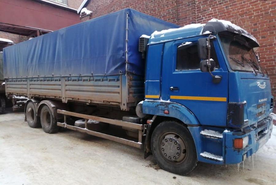 В центре Тамбова водитель грузовика, сдавая назад, насмерть сбил пешехода