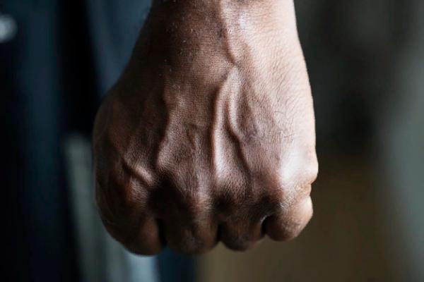Двое жителей Рассказово избили и ограбили одинокого старика