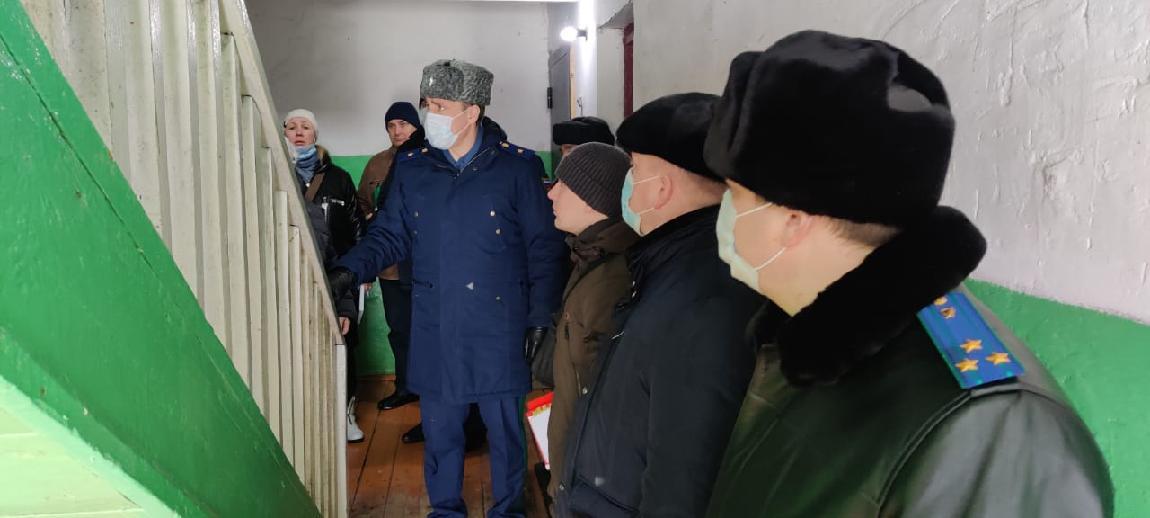 Прокурор области встретился с жителями многоквартирных домов села Малый Снежеток