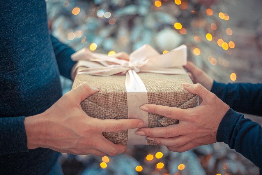 Стали известны обидные для мужчин подарки на День защитника Отечества