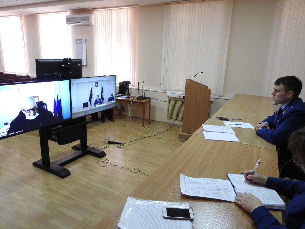 Тамбовчане пожаловались прокурору области на невыплату зарплат