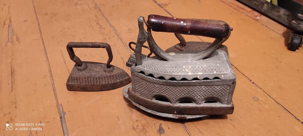Тамбовский общественник показал коллекцию собранных им утюгов