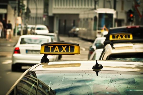Увильнувший от уголовного наказания таксист снова оказался под следствием