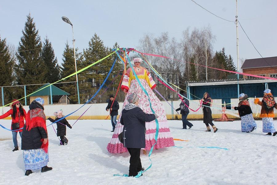В Ивановке пройдёт конкурс снеговиков и снежных скульптур