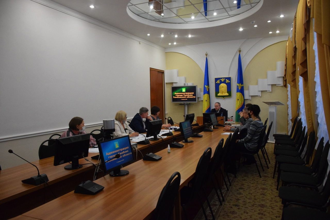 В Тамбове обсудили вопрос о зачислении детей в школы в северной части города