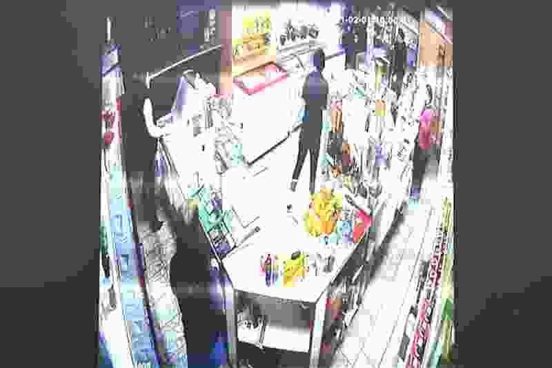 В Жердевке пьяная и вооружённая 18-летняя девушка попыталась ограбить продуктовый магазин