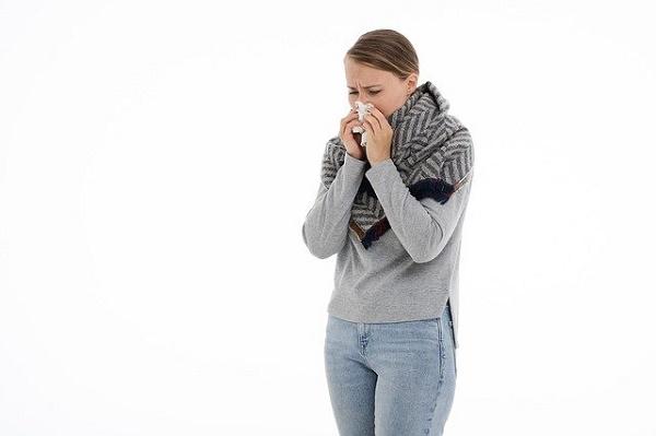 Врач предупредила об опасности отказа от лечения насморка