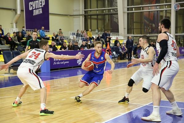 """Баскетбольный клуб """"Тамбов"""" вышел в плей-офф с первого места"""