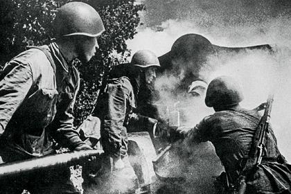 Каксоветский артиллерист стал лучшим истребителем «Тигров» иполучил награды отРузвельта иСталина