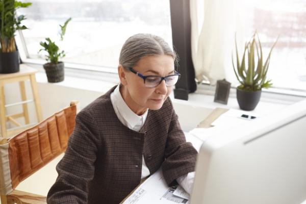 Летом рабочий день для пожилых людей предложили сократить