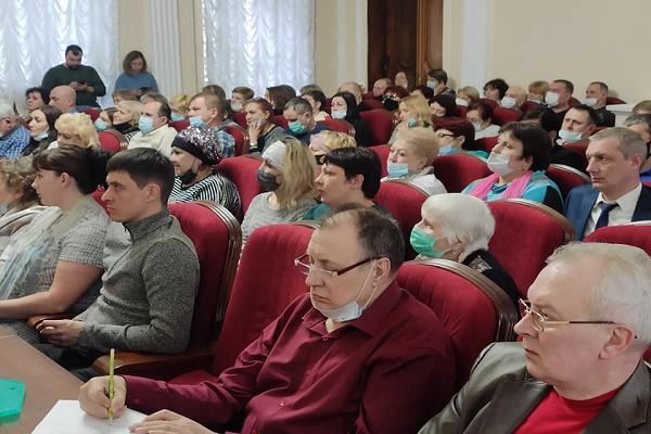 Максим Косенков встретился с домкомами