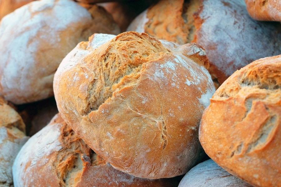 Минсельхоз сообщил о стабилизации цен на хлеб и молочную продукцию