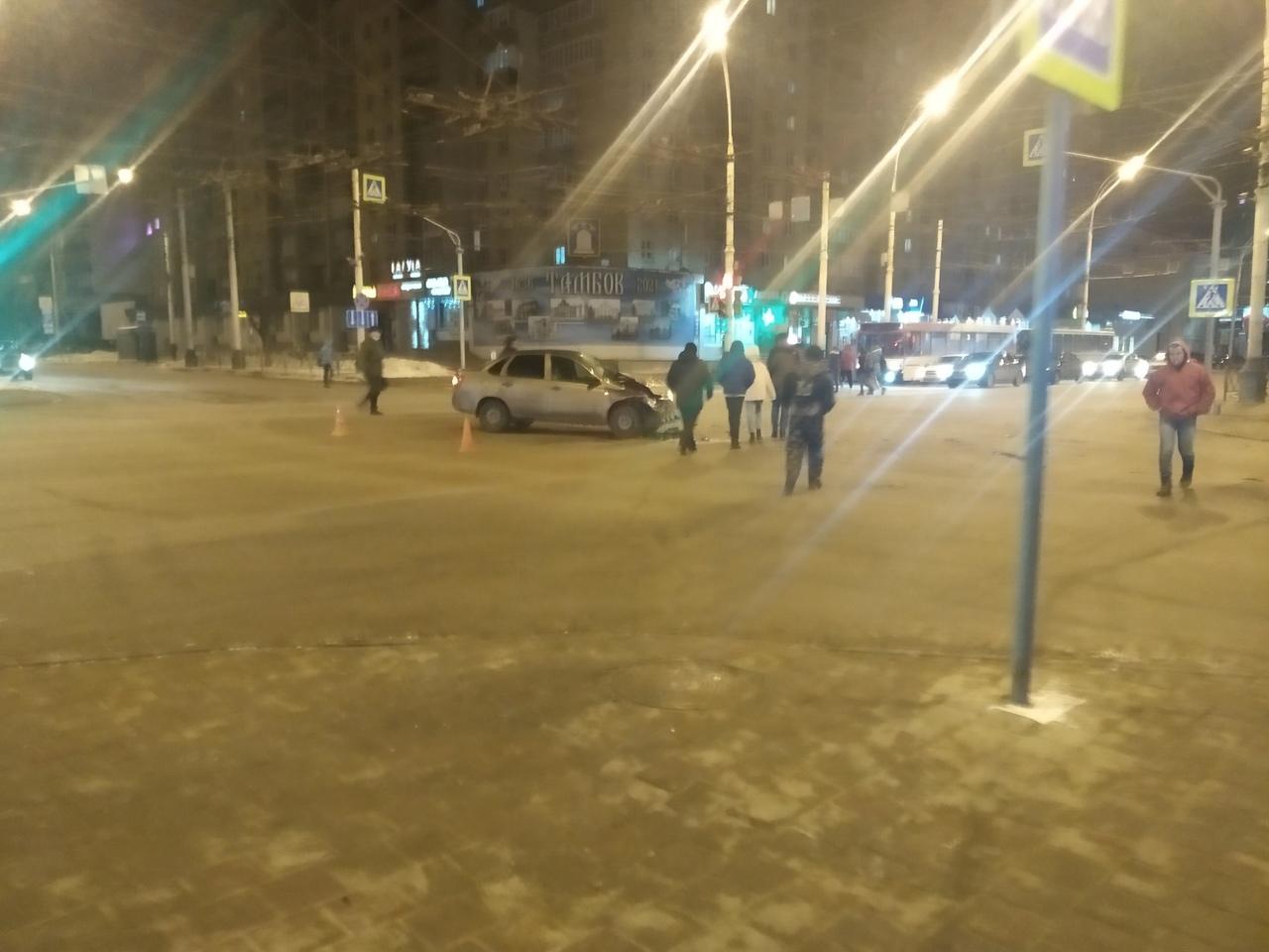 На перекрестке в центре Тамбова произошло ДТП