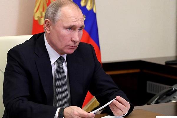 Путин сделает прививку от коронавируса 23 марта