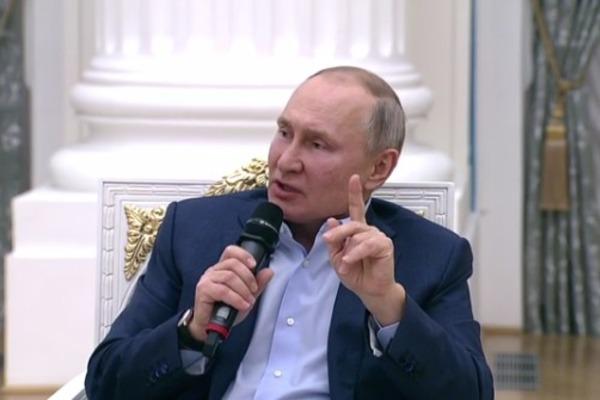 Путин жёстко отозвался о тех, кто в соцсетях подталкивает детей к суициду