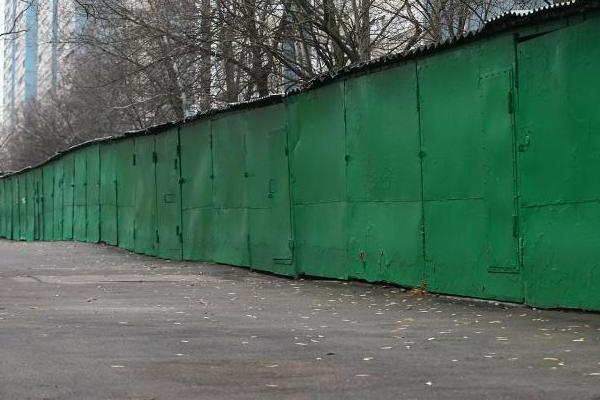 Россиянам станет проще оформить права на гаражи и земельные участки под ними