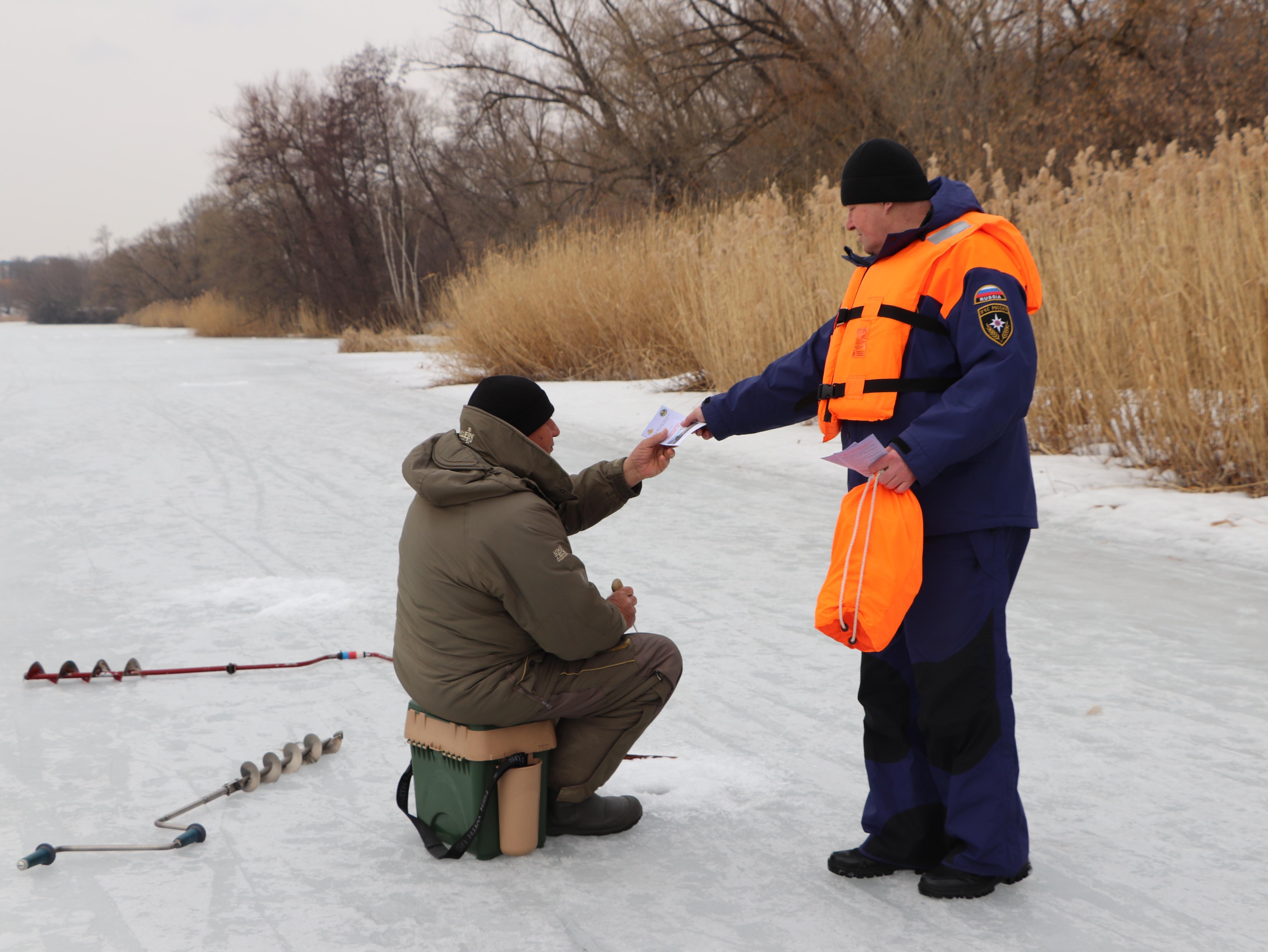 Тамбовским любителям порыбачить весной напомнили о мерах безопасности