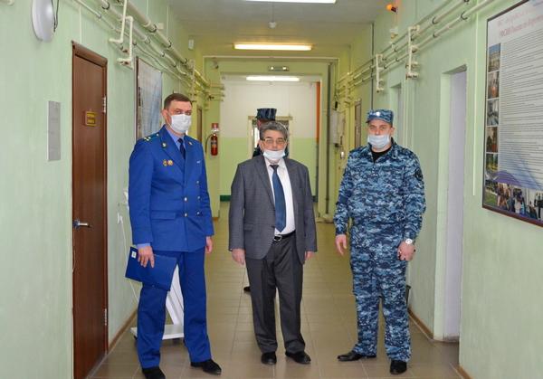 Уполномоченный по правам ребенка в Тамбовской области Евгений Таможник с рабочим визитом посетил СИЗО-3