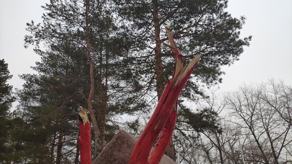 В Котовске вандал испортил памятник воинам-интернационалистам