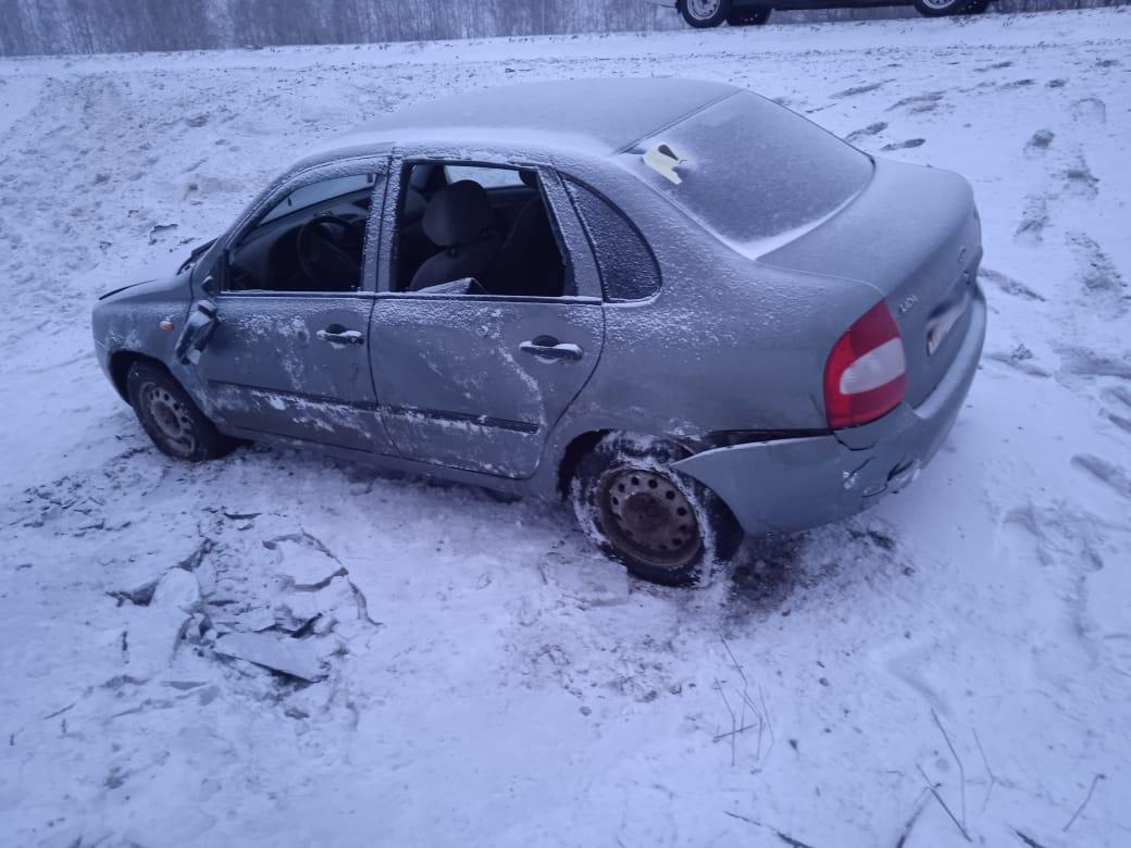 В Петровском районе легковушка вылетела в кювет