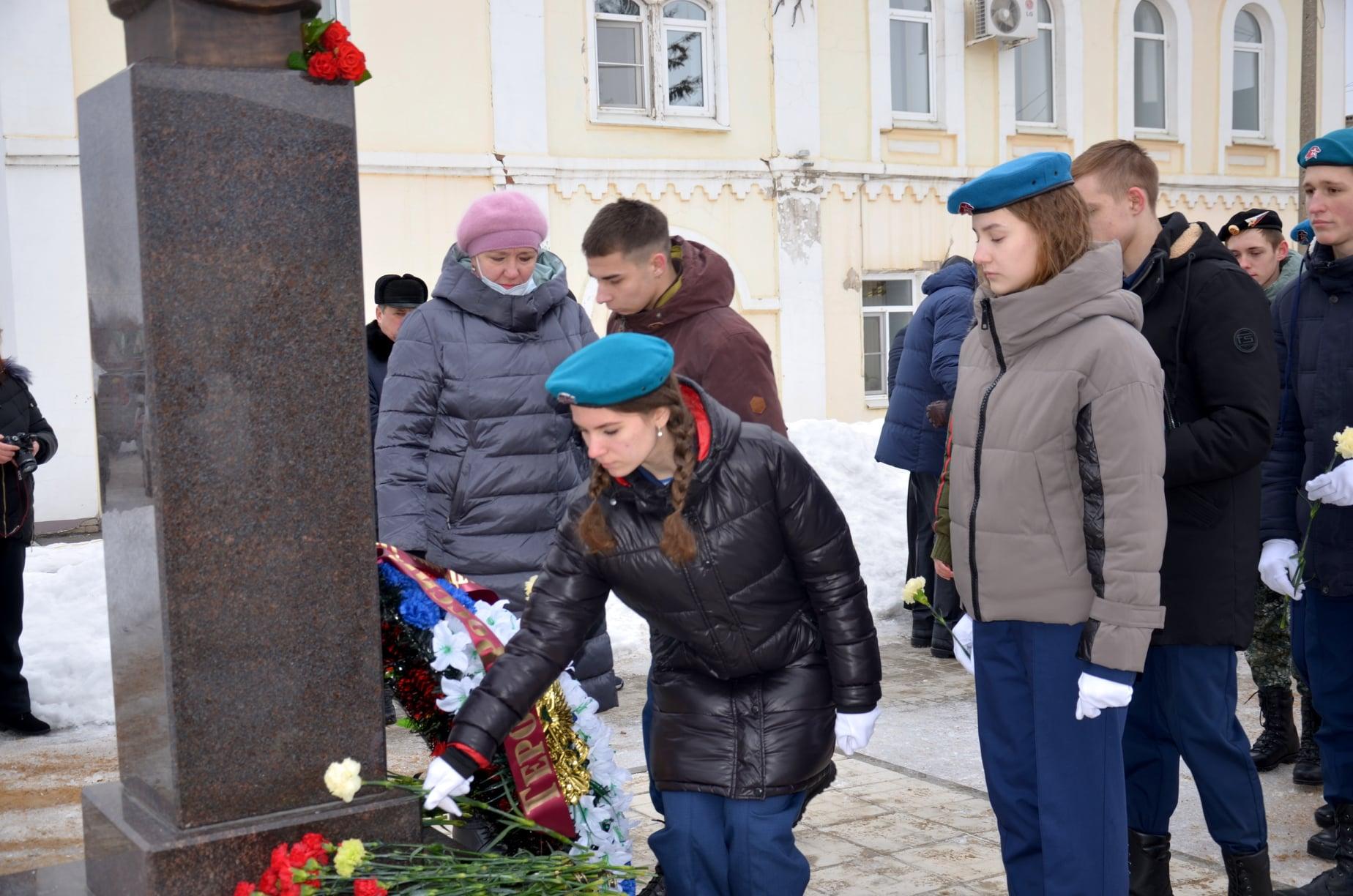 В Рассказове почтили память Героя России Александра Комягина