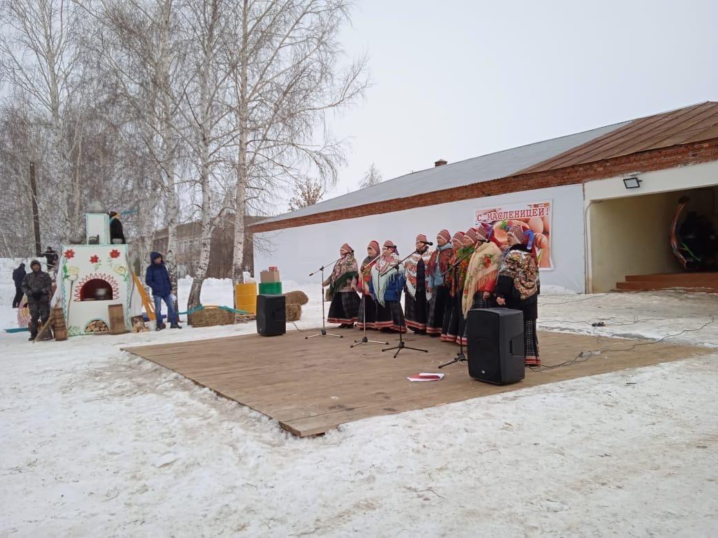В Рассказовском районе проводили зиму народными гуляниями