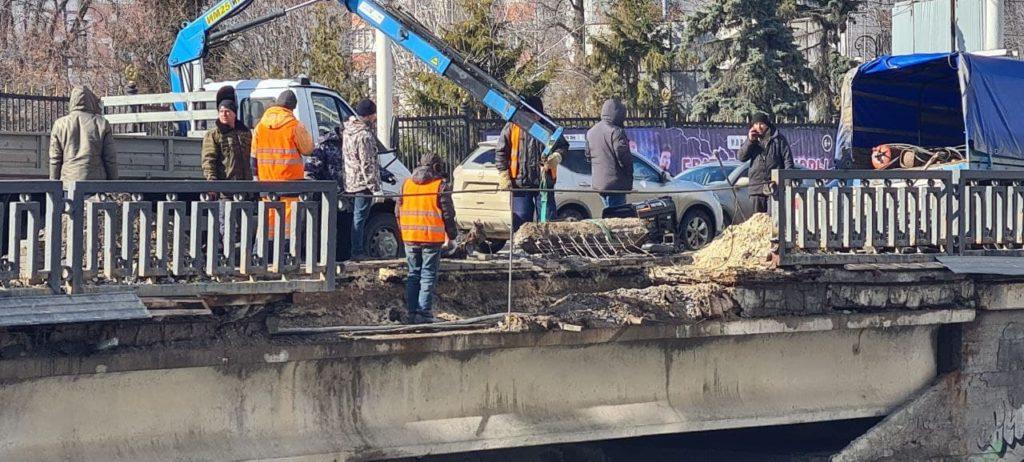 В Тамбове обрушилась часть моста через реку Студенец