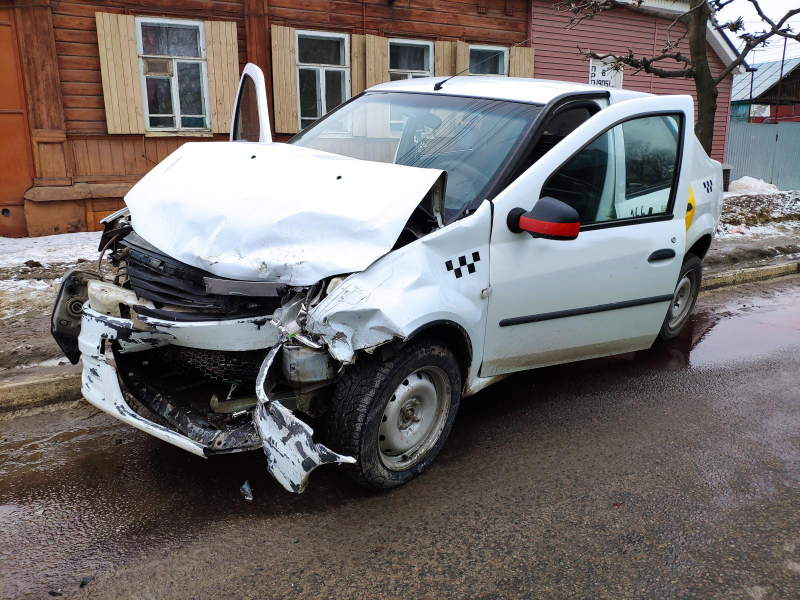 В Тамбове в ДТП пострадала пассажирка такси
