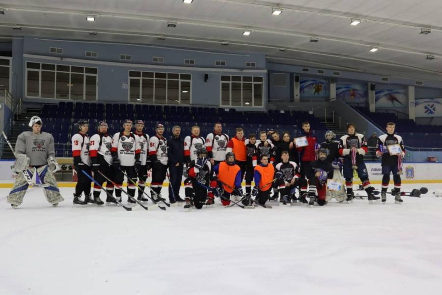 В Тамбове завершился турнир по хоккею среди дворовых команд