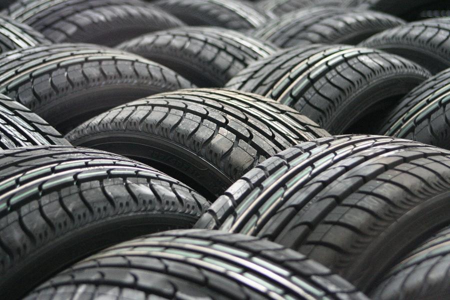 Житель Тамбовской области продавал людям несуществующие автомобильные шины