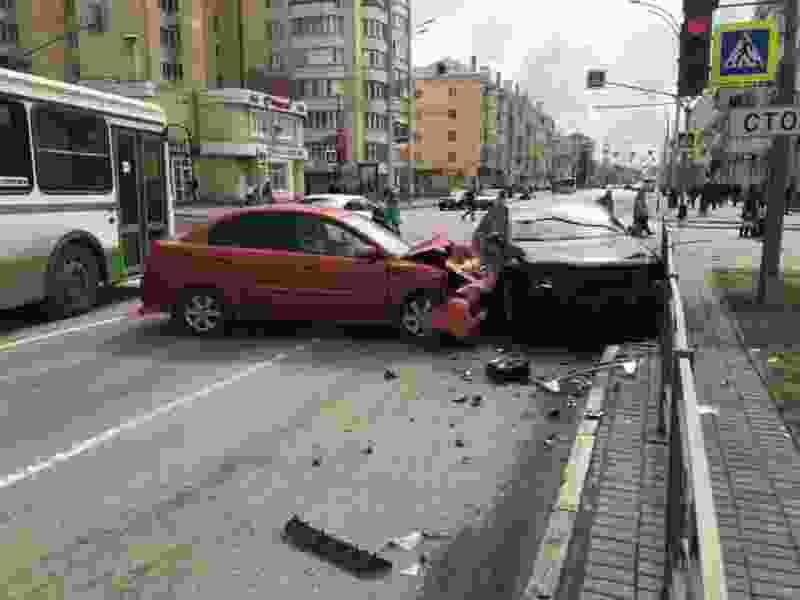 Двое детей получили травмы в аварии в центре Тамбова