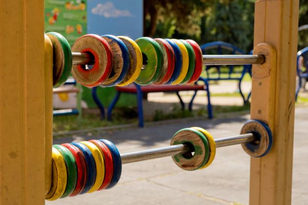 Игровое оборудование в детском саду Сосновского района не меняют уже много лет