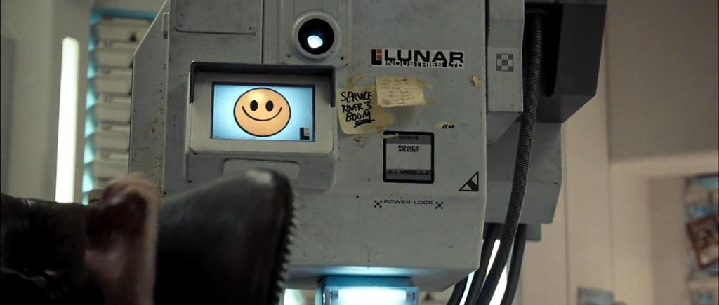 """Космический киногид от """"Блокнот Тамбов"""": Сэм Рокуэлл ищет ответы на Луне"""