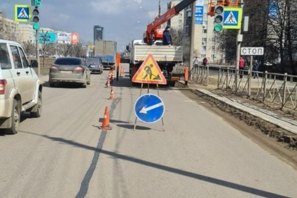 На улице Магистральной приступили к устранению дефектов дорожного ремонта