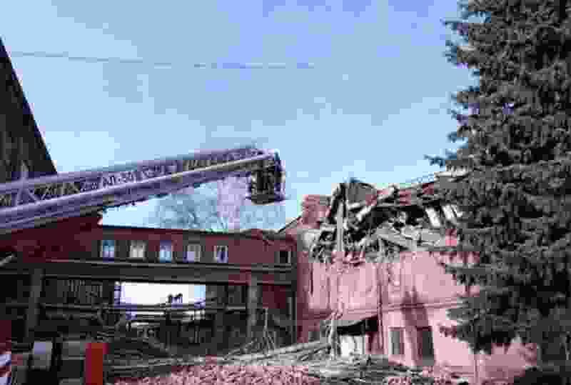 По факту обрушения здания ТЭЦ возбудили уголовное дело