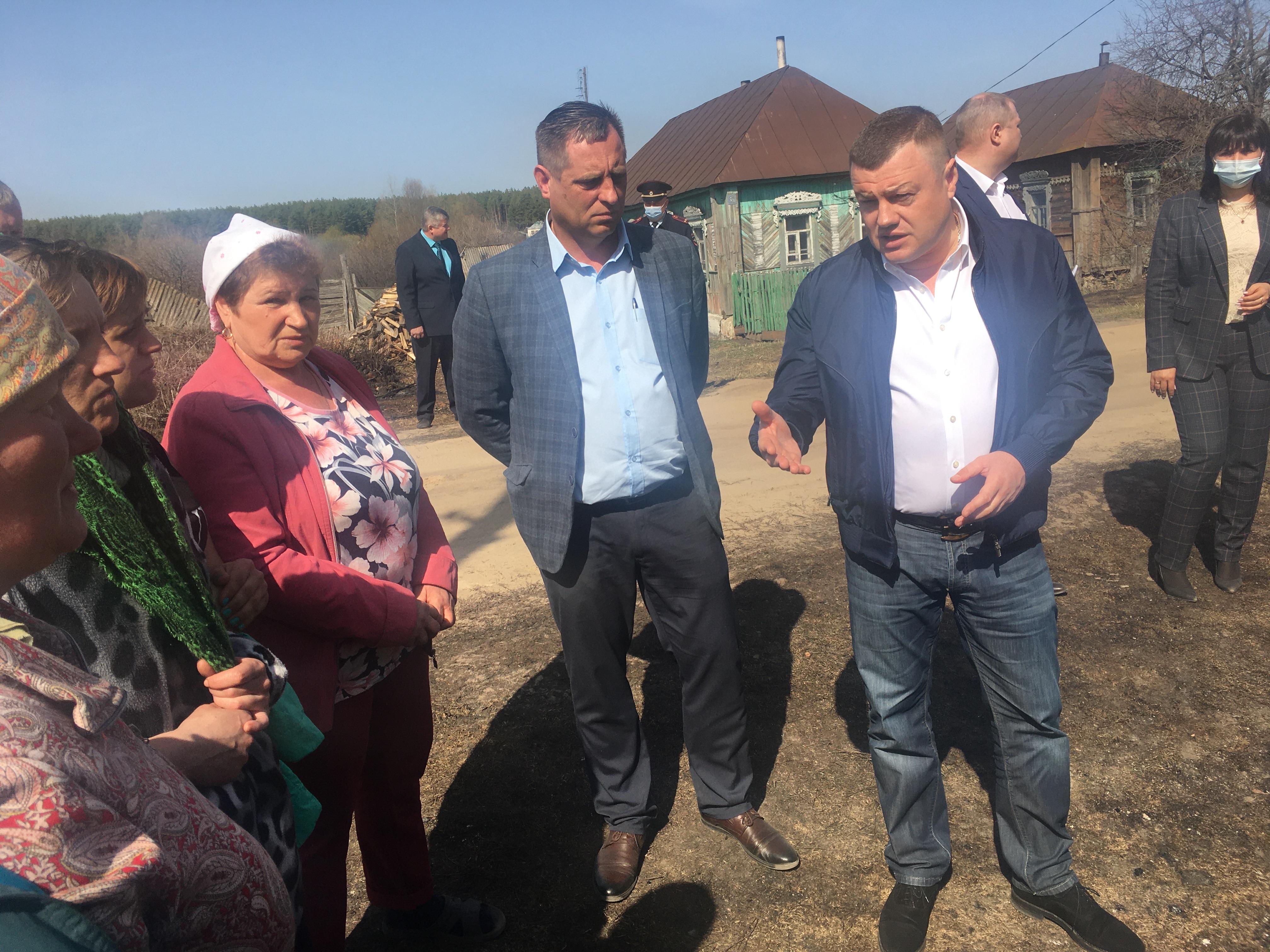 Региональные власти обещают оказать помощь жителям сгоревшего села в Сосновском районе