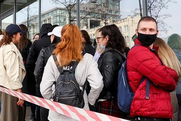 Российским авиакомпаниями рекомендовали усилить работу колл-центров на фоне ограничения рейсов