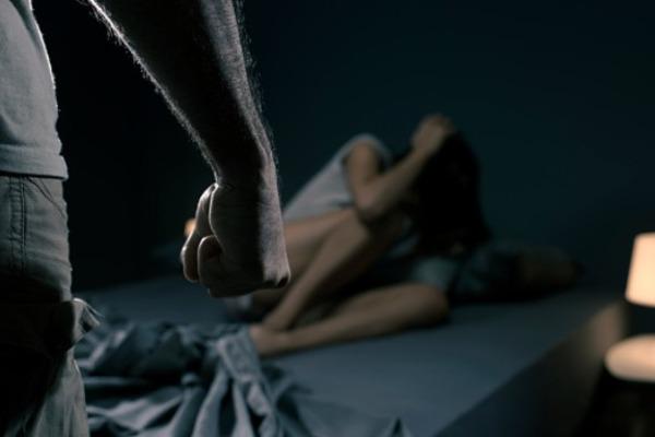 Тамбовчанина осудили за изнасилование соседки