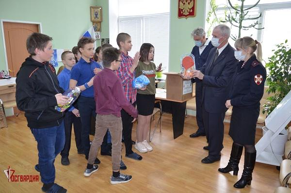 Тамбовские росгвардейцы посетили воспитанников Красносвободненской школы-интерната