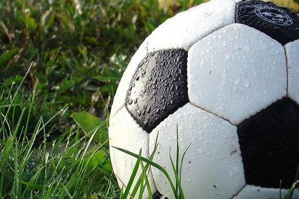 В Моршанске родители футболистов попросили открыть стадион