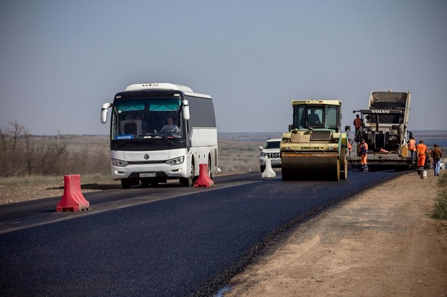 В период майских праздников на трассах области сократят дорожные работы