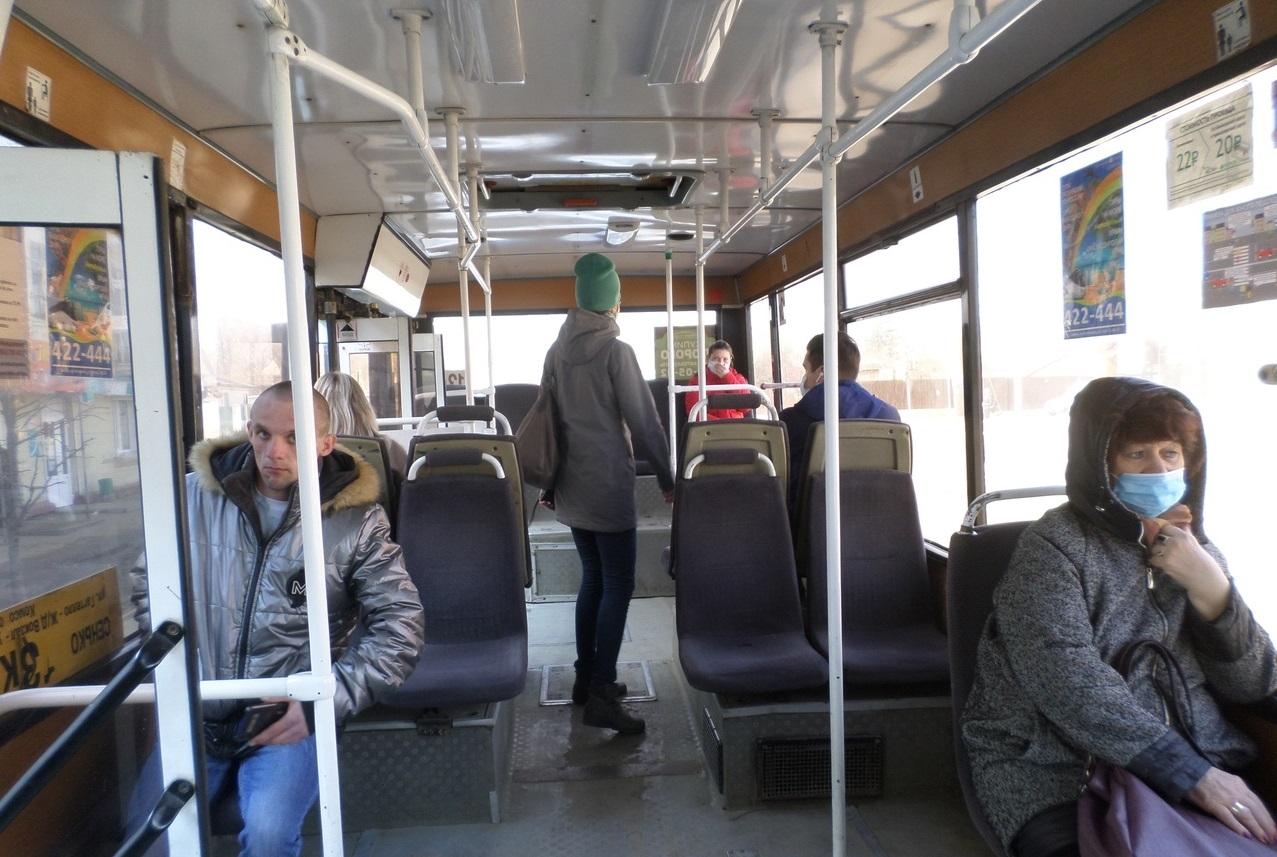 В шести тамбовских автобусах выявили нарушения масочного режима