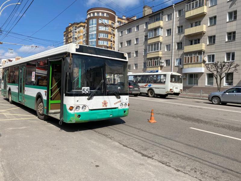 В Тамбове 70-летняя пассажирка упала в автобусе