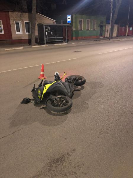 В Тамбове мотоциклист упал на проезжую часть