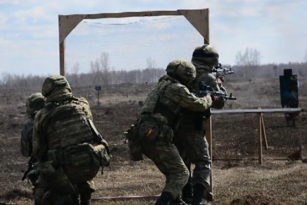 Во время учений в Тамбовской области спецназ совершил налёт на колонну противника