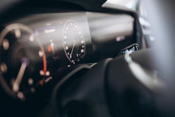 За долги по алиментам у жителя посёлка Мордово арестовали автомобиль